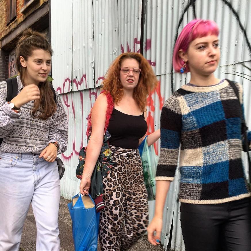 street_3girlspatterns_london