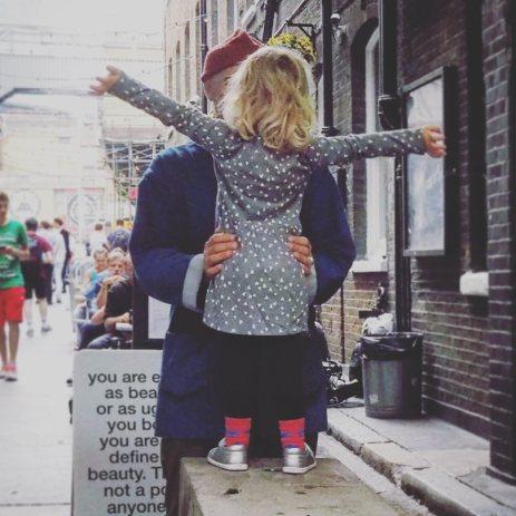 street_girldadhug_london
