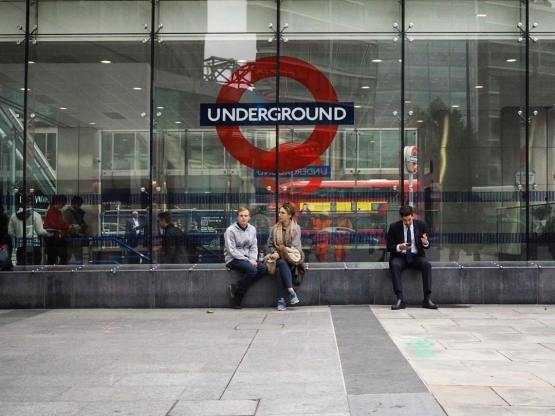 street_undergroundsign_london